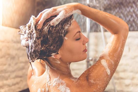 beneficios de ducharse antes de dormir